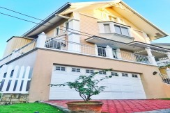 For Sale: House & Lot at La Posada, Muntinlupa